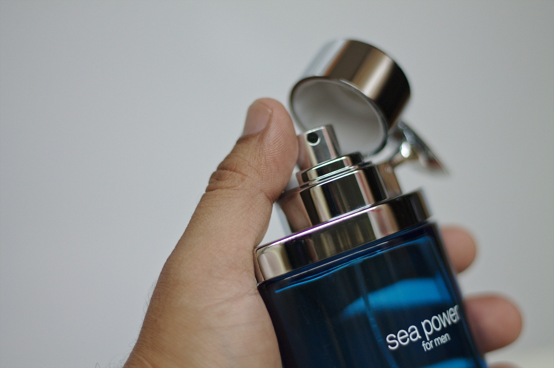 Read more about the article 10 Best Selling Fragrances for Men from Amazon